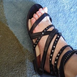 Beautiful vince camuto leather sandals size 9/39